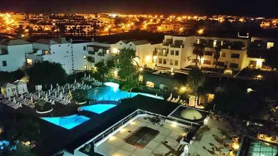 Gran Castillo Tagoro Family & Fun Playa Blanca: The hotel at night from atop the castle