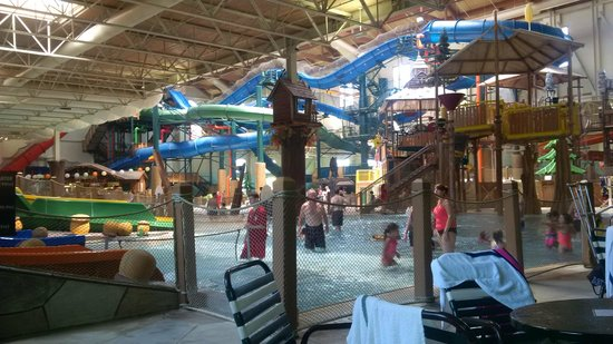 Great Wolf Lodge : indoor pool area