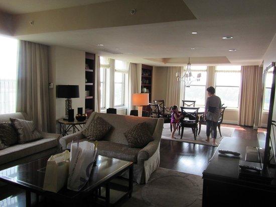Mandarin Oriental, Washington DC: Lounge 1 looking towards dining room