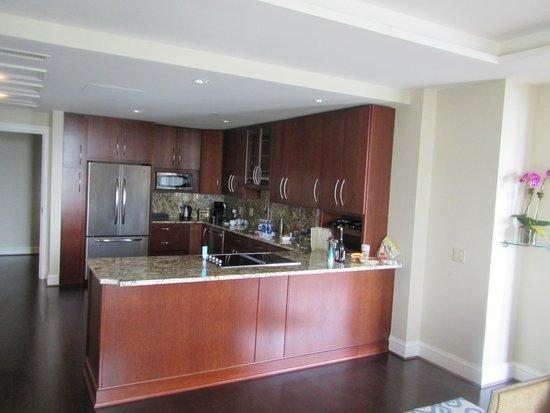 Mandarin Oriental, Washington DC : Lounge 2 looking towards kitchen