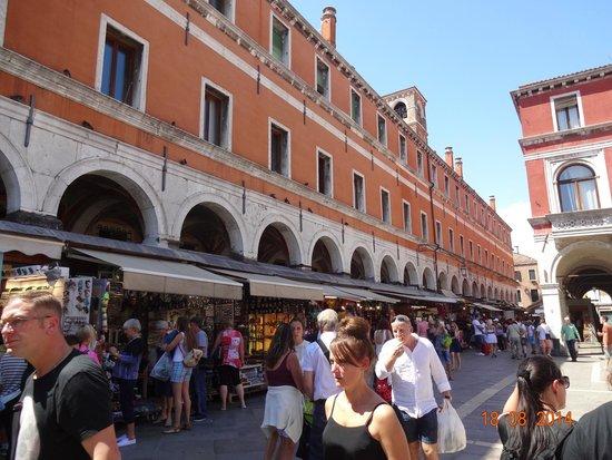 San Polo: Lojas populares