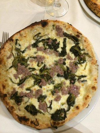 Pizzeria La Romantica Centro: Salsiccia e Friarielli