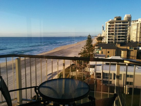 Golden Sands Holiday Apartments: View down the Coast
