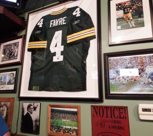 Kevin's Sports Pub & Restaurant: Go Packers!