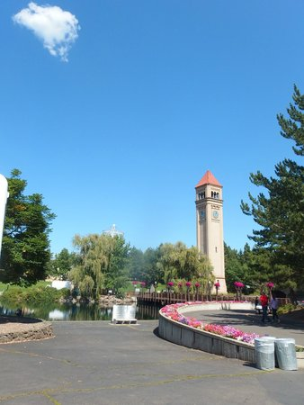Riverfront Park : Clock tower