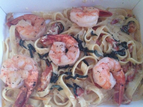 808 Bistro : fettucini with champagne...and shrimp
