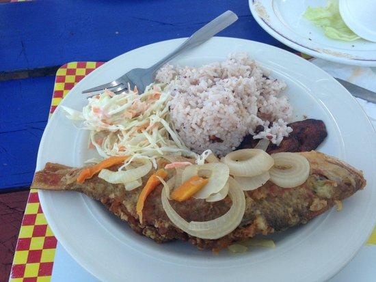 Seaside Paradise Restaurant : Fried Snapper