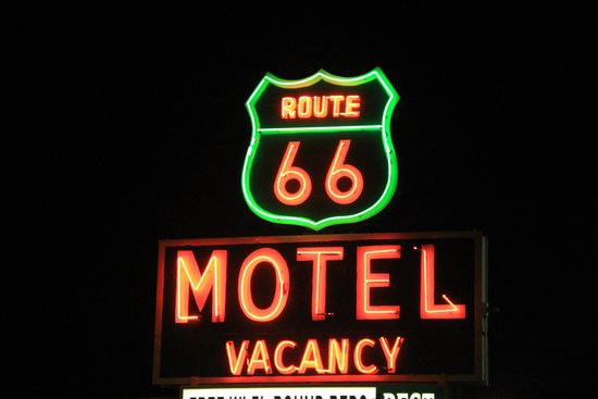 Route 66 Motel: Sign in front