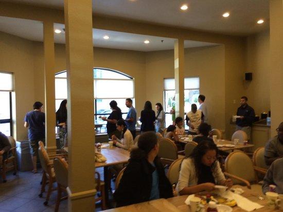 Forest Suites Resort at Heavenly Village: Breakfast room