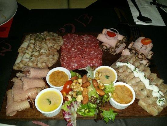 El Cerdo: mix cold cut platter