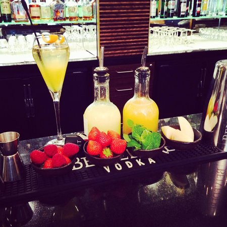 Sixtyone Restaurant: Bellini was waiting for me for my amazing brunch in 61 restaurant