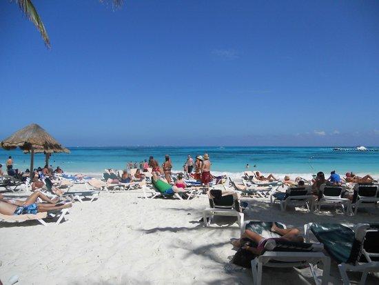 Hotel Riu Cancun: Playa - Excelente servicio y comodidad
