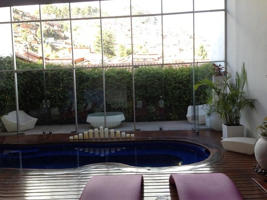 Casa Cartagena Boutique Hotel & Spa: Sunlight shining into the pool area