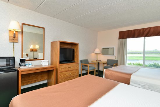 Americas Best Value Inn : Double Queen Room