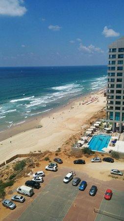Daniel Herzliya Hotel : View from my room - 9th floor side