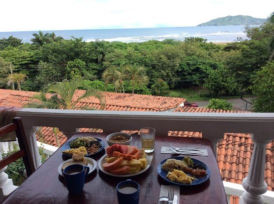 Best Western Tamarindo Vista Villas : Made breakfast in our kitchen and ate on the balcony :)