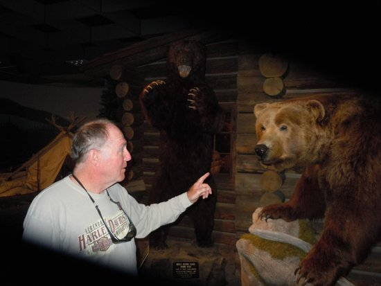 Buffalo Bill Center of the West: Hold it right there