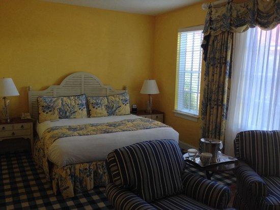 Charleston Harbor Resort & Marina : Room at Charleston Harbor Resort