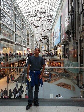 CF Toronto Eaton Centre: Shopping