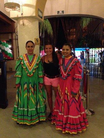 Sandos Playacar Beach Resort : En uno de los Restaurants de la Plaza de Sandos