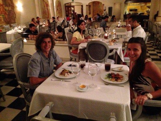 Sandos Playacar Beach Resort : Restaurant Gourmet Francés Con previa reserva