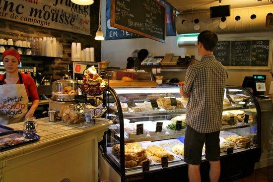 Le Petit Cochon Dingue: Sandwiches for dine in/take out