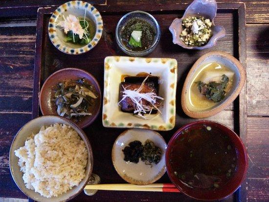 Shimayasai Shokudo Thianda: くぇーぶー定食