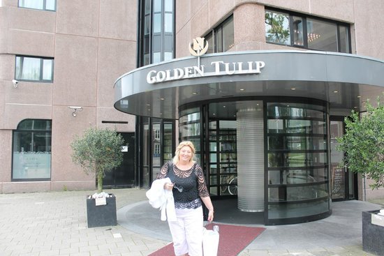 Hotel Golden Tulip Amsterdam West: Enterance to the motel