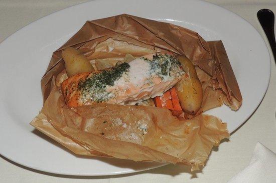 Belvedere Inn & Restaurant: Salmon encroute