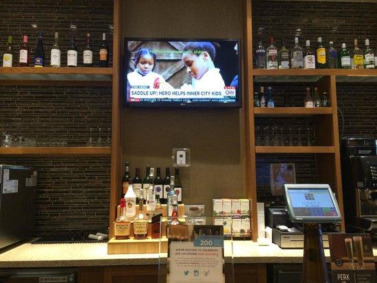 Hyatt Place Flushing/LaGuardia Airport: Bar area