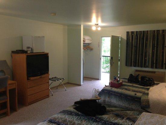 New Horizon Motel: Main part of the room