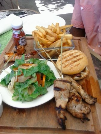 The Naked Fisherman Bar and Grill : Great lunch