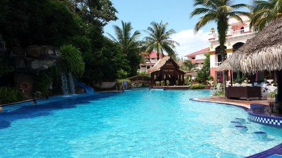 Aseania Resort & Spa Langkawi Island: Pool area 2