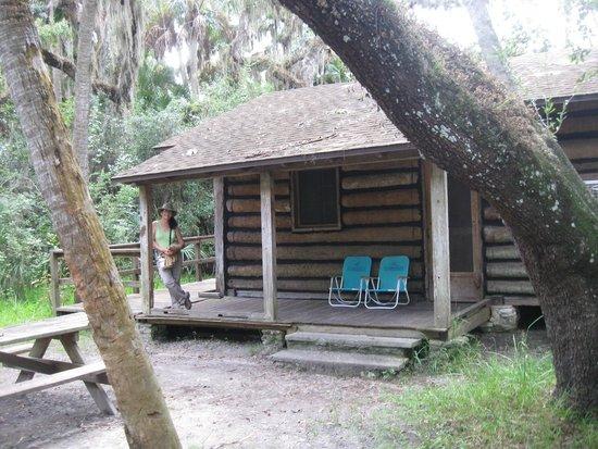 Myakka River State Park: Cabin back