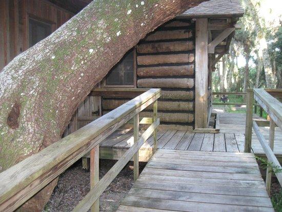 Myakka River State Park: Cabin entrance