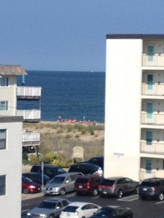 Beachcomber Motel: view from the entrance of the room