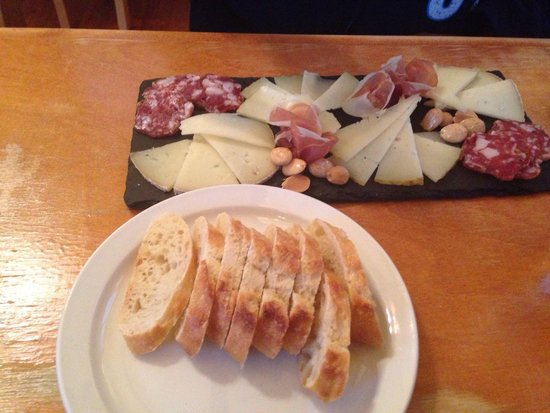 Appenzell Restaurant and Pub: Cheese and meat plate