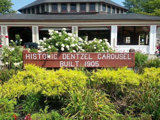Ontario Beach Park: Historic Carousel