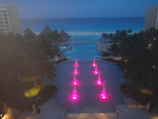 The Westin Lagunamar Ocean Resort: evening view never gets old