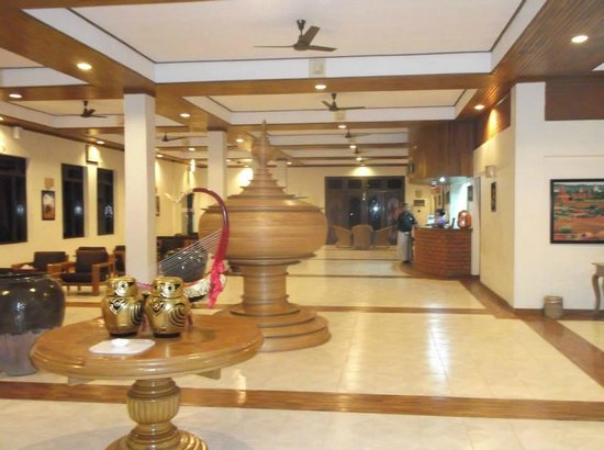 Arthawka  Hotel : The entrance lobby