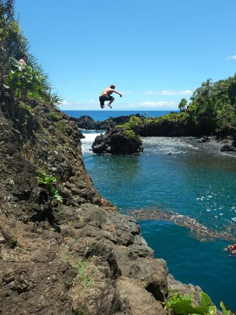 Paia, HI: Cliff diving