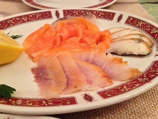 Russkaya Ryumochnaya No. 1 : Рыбная карусель