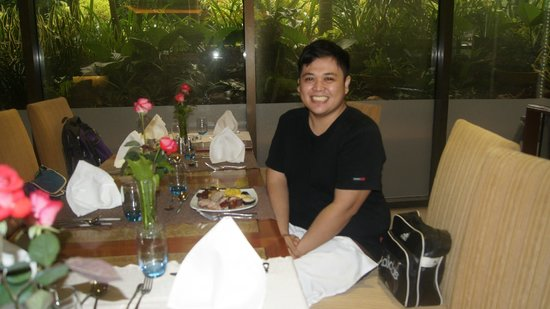 Cafe Marco: Mikey is ready to burst into a full meal!