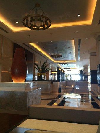 Hyatt Regency Jing Jin City Resort and Spa: Lobby