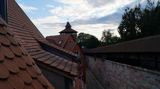 TOP Duerer Hotel: Uitzicht op oude stadsmuur