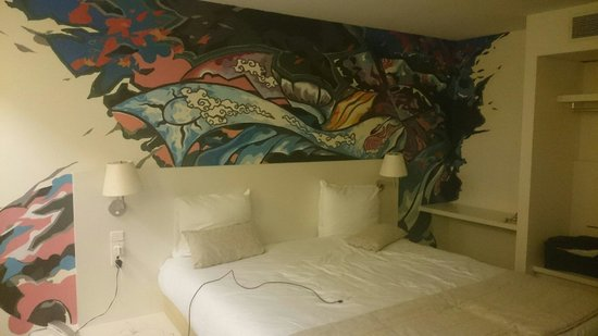 Hotel BLOOM!: The bedroom area on room 808. Lovely!