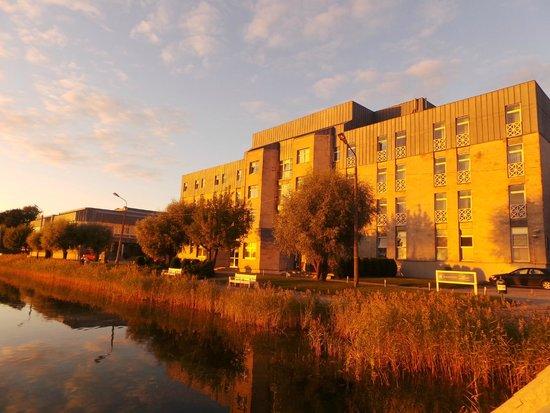 Spa Hotel Laine : отель на закате