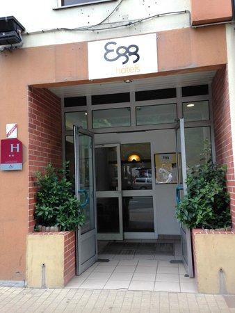 Egg Hôtel : front door