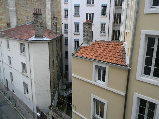 Best Western Hotel Du Pont Wilson : Вид из окна
