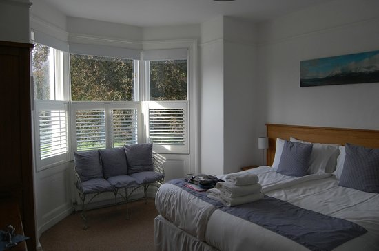 Linnett Hill : our beautiful room
